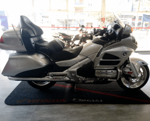 GOLDWING 1800 TOUR